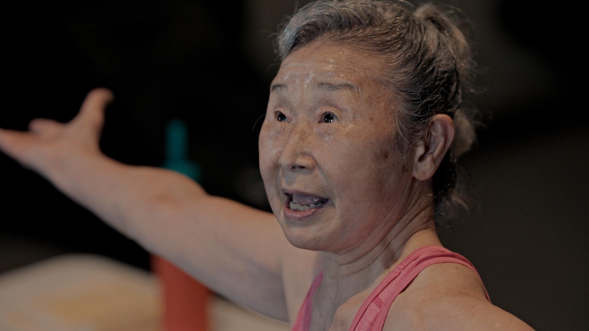 瀧島 未香さん、日本最高齢、90歳のフィットネスインストラクターの滝島さん。